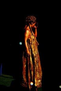 estatua dorada
