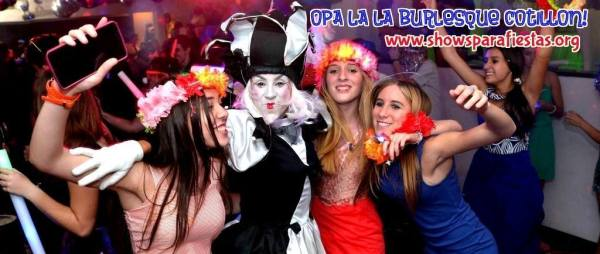 opa lala burlesque cotillon  por Onirika producciones